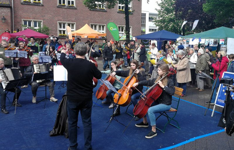 """Flash-Mob"" des Jugendsinfonieorchesters"